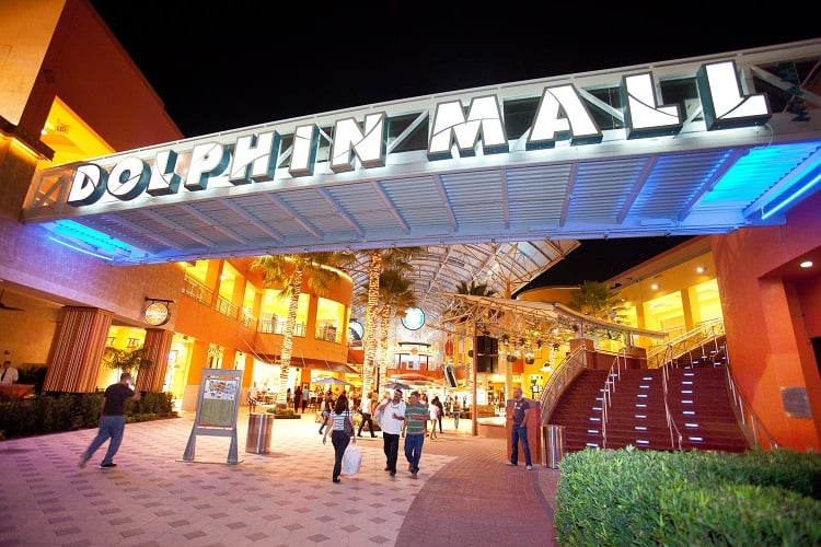 Shopping Dolphin Mall Miami