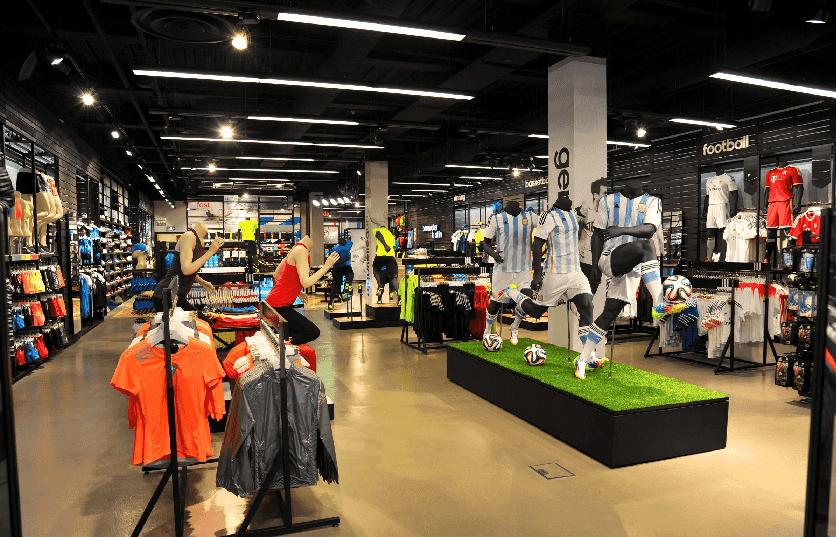 Produtos nas lojas da Adidas em Miami