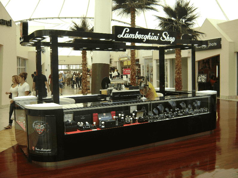 Compras de relógios nos quiosques multimarcas em Miami