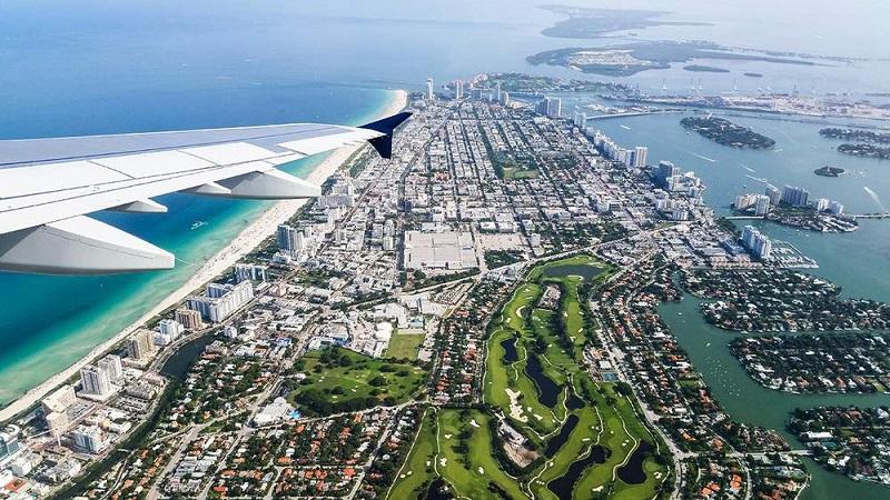 Vista do avião da cidade Miami