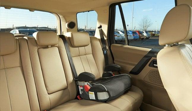 Informações para levar as crianças com segurança no carro em Miami