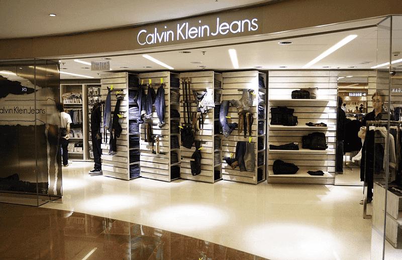 Comprar ternos nas lojas das próprias marcas em Miami