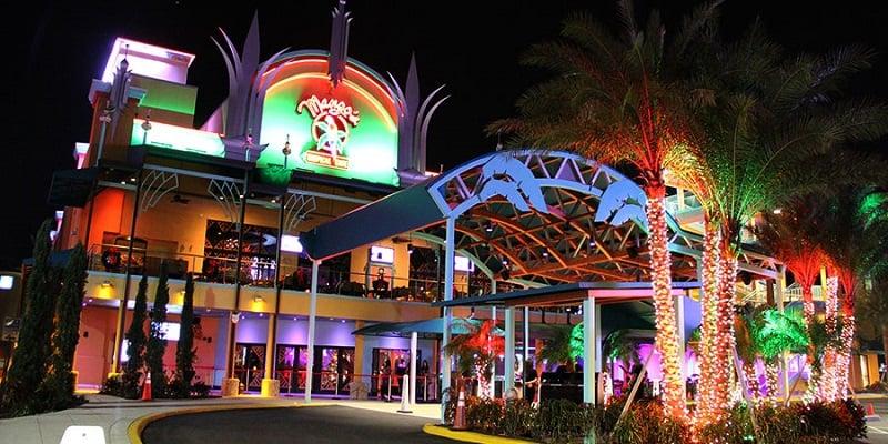 Restaurante Mango's Tropical Cafe na Ocean Drive em Miami