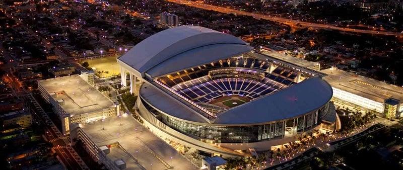 Visita ao Estádio de Beisebol Marlins Park em Miami