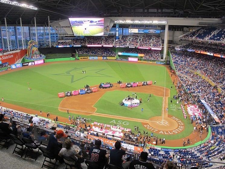 Jogos no Estádio de Beisebol Marlins Park em Miami