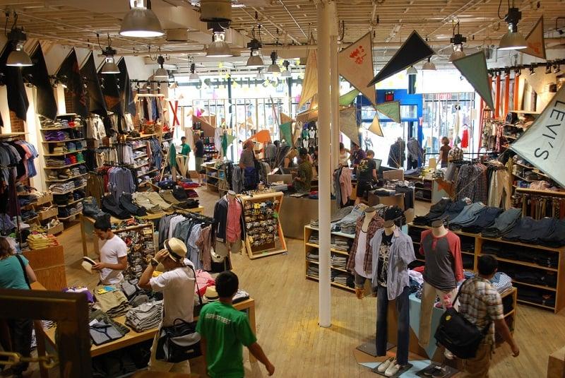 Compras na loja Urban Outfitters em Miami