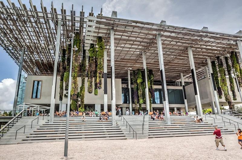 Museu Pérez Art Museum em uma viagem sozinho em Miami