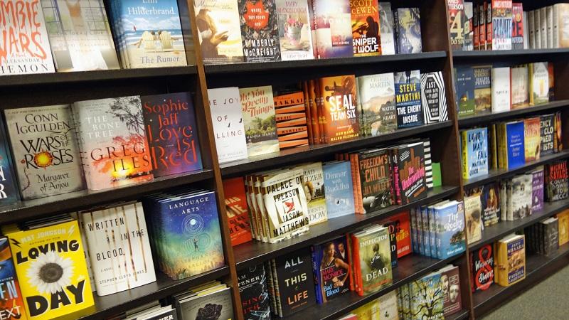 Livros na Barnes & Noble em Miami