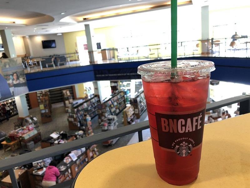 Café na livraria Barnes & Noble em Miami
