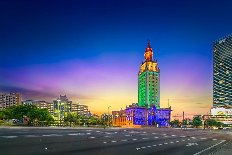 Monumento Freedom Tower em Miami