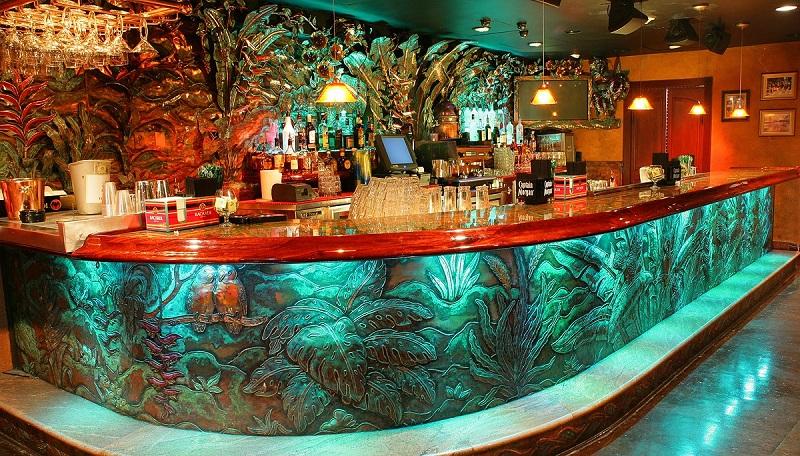 Bar na balada Mango's Tropical Café em Miami Beach