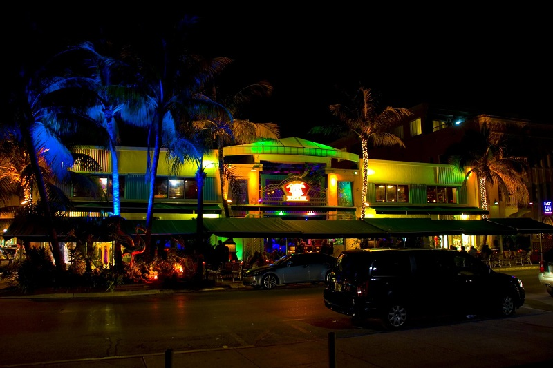 Balada Mango's Tropical Café na Ocean Drive Miami Beach