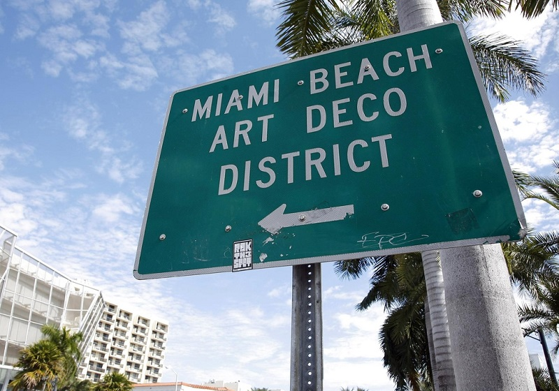 Placa do Art Deco District em Miami