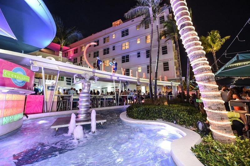 Destaques da vida noturna em Miami: Clevelander