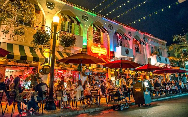 Española Way em South Beach em Miami
