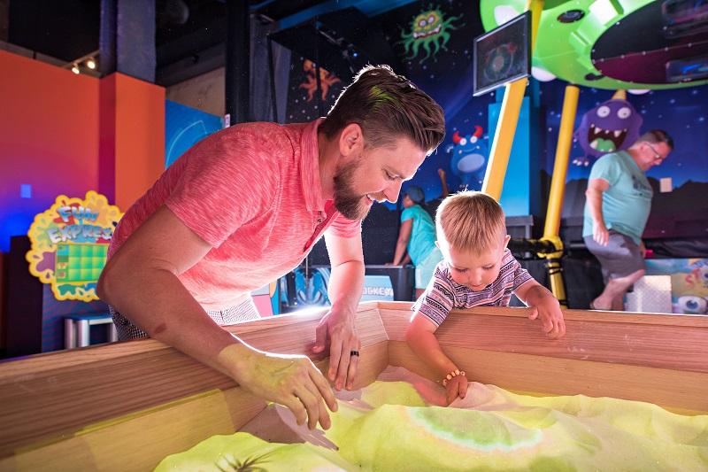 Família em WonderWorks Orlando