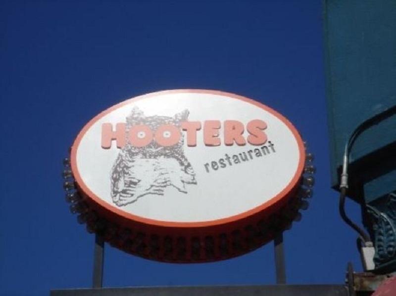 Unidades do restaurante Hooters em Miami