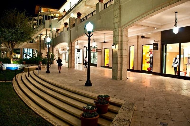 Lojas do Shopping Village Of Merrick Park em Miami