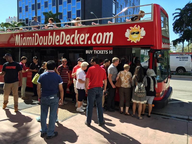 Miami para idosos: ônibus turísticos