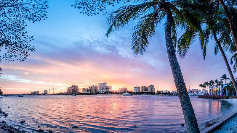 Praia de West Palm Beach na Flórida