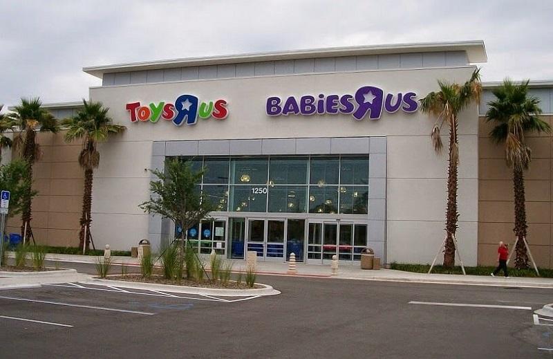 Loja Toys R Us no Millenia Plaza em Orlando