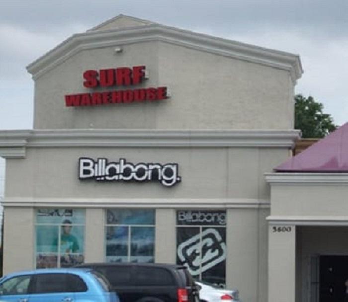 Comprar coisas de surf na loja Surf Warehouse Outlet em Orlando
