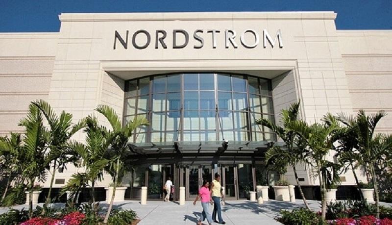 Compras na loja Nordstrom em Orlando